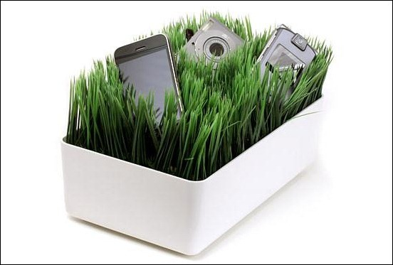 grassy-lawn-charging-station_thumb2