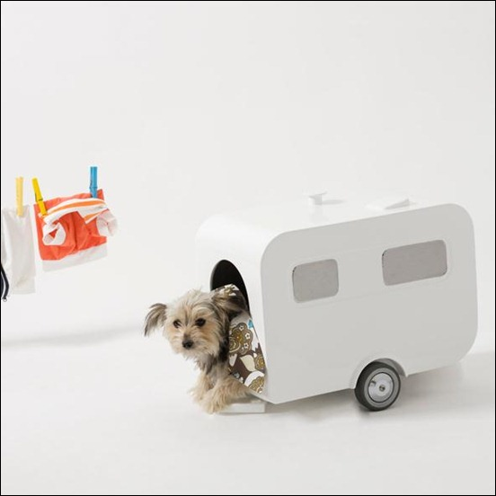 luxury-caravan-dog-house