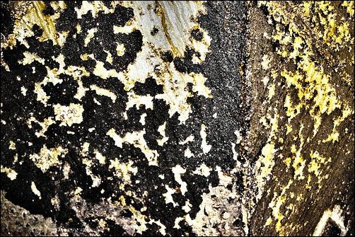 peeling-paint-and-rust-texture
