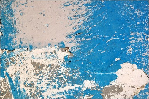 peeling-paint-on-blue-boat