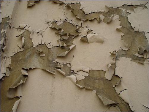peeling-paint-on-wall