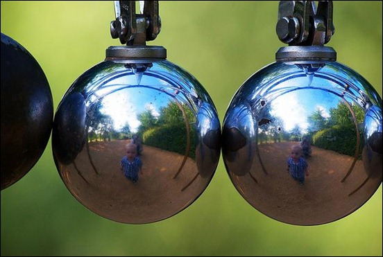 reflection-in-metal-orbs