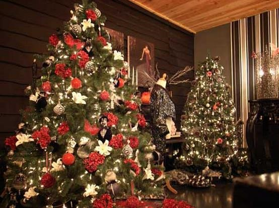 24 beautiful christmas tree pictures creative - Petit sapin de noel decore ...