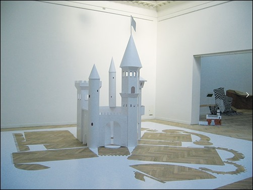 Big-Paper-Castle-paper-sculptures